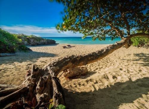 villa en prestigioso residencial frente al mar con la playa