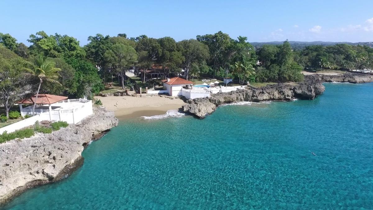 villa en sosúa en playa chiquita