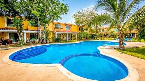 villa en venta dentro del exclusivo residencial playacar