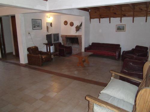 villa gesell alquiler centro casa hasta 14 personas