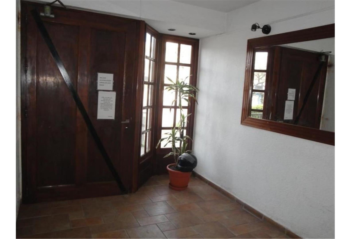 villa gesell !!! oportunidad!! amplio 2 ambientes!!