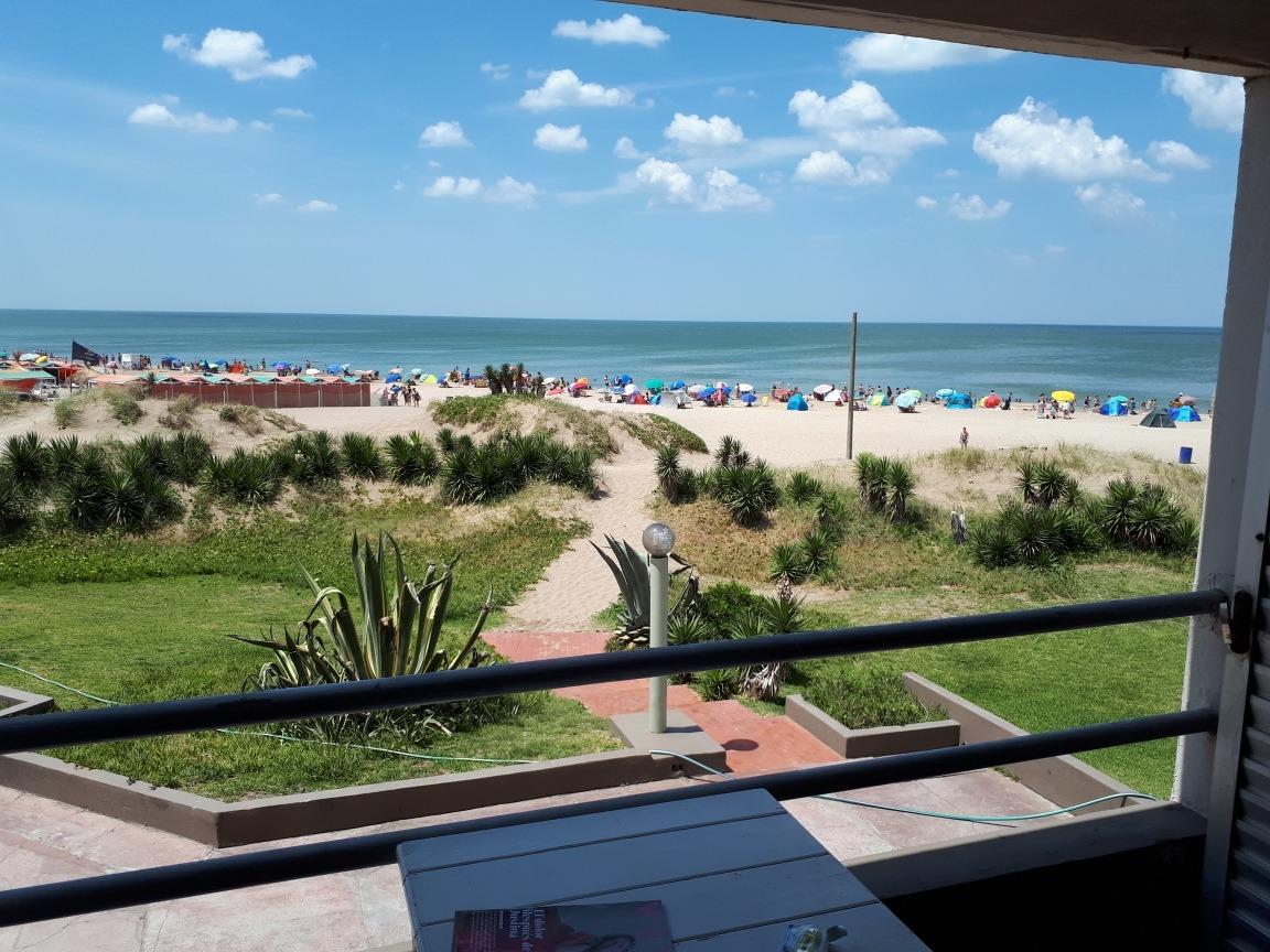 villa gesell sobre playa.balcón panorámico vista mar.