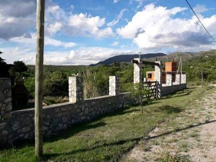 villa giardino lote con pirca en barrio balcon de punilla