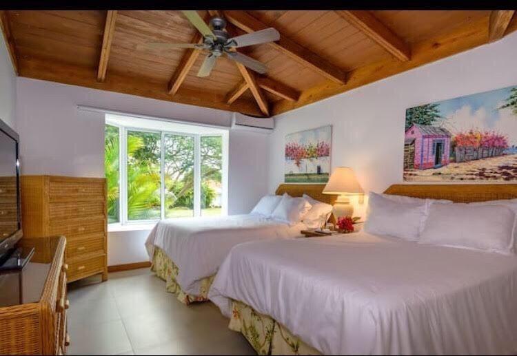 villa moderna de 3 habitaciones en casa de campo