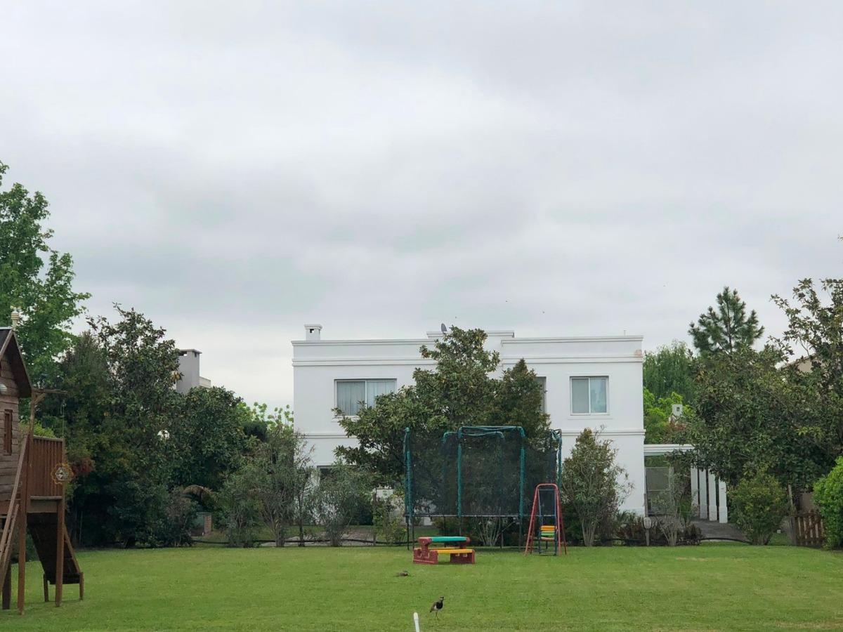 villa olivos lote central 700 m²