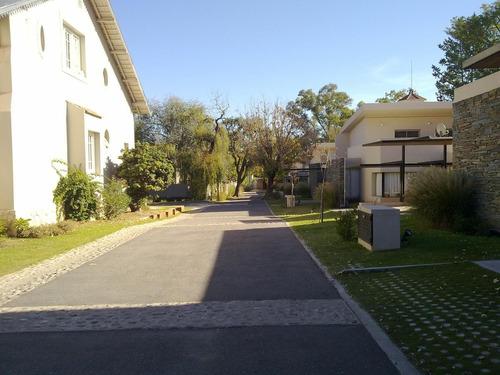 villa pehuen en villa allende - casa 2 dormitorios - seguridad 24 hs