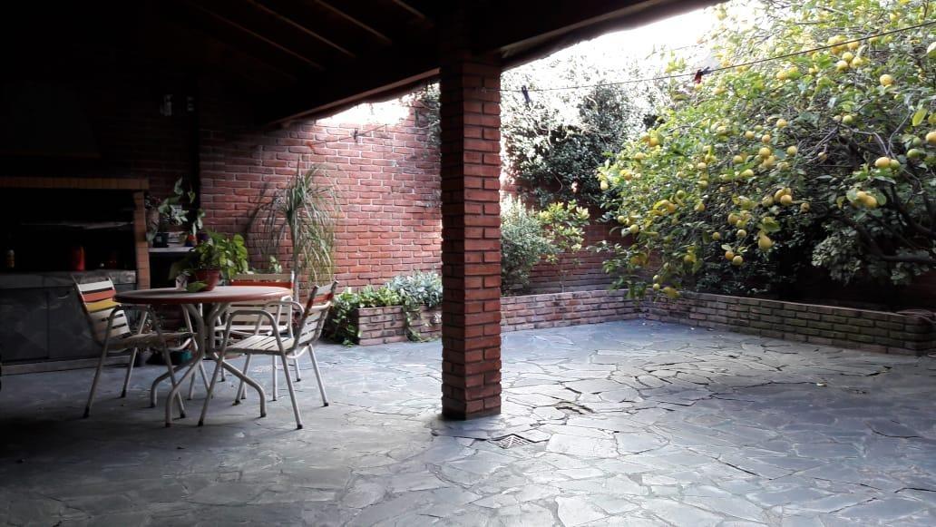 villa real casa 4 amb en 2 plantas coch cub / jardín/quincho
