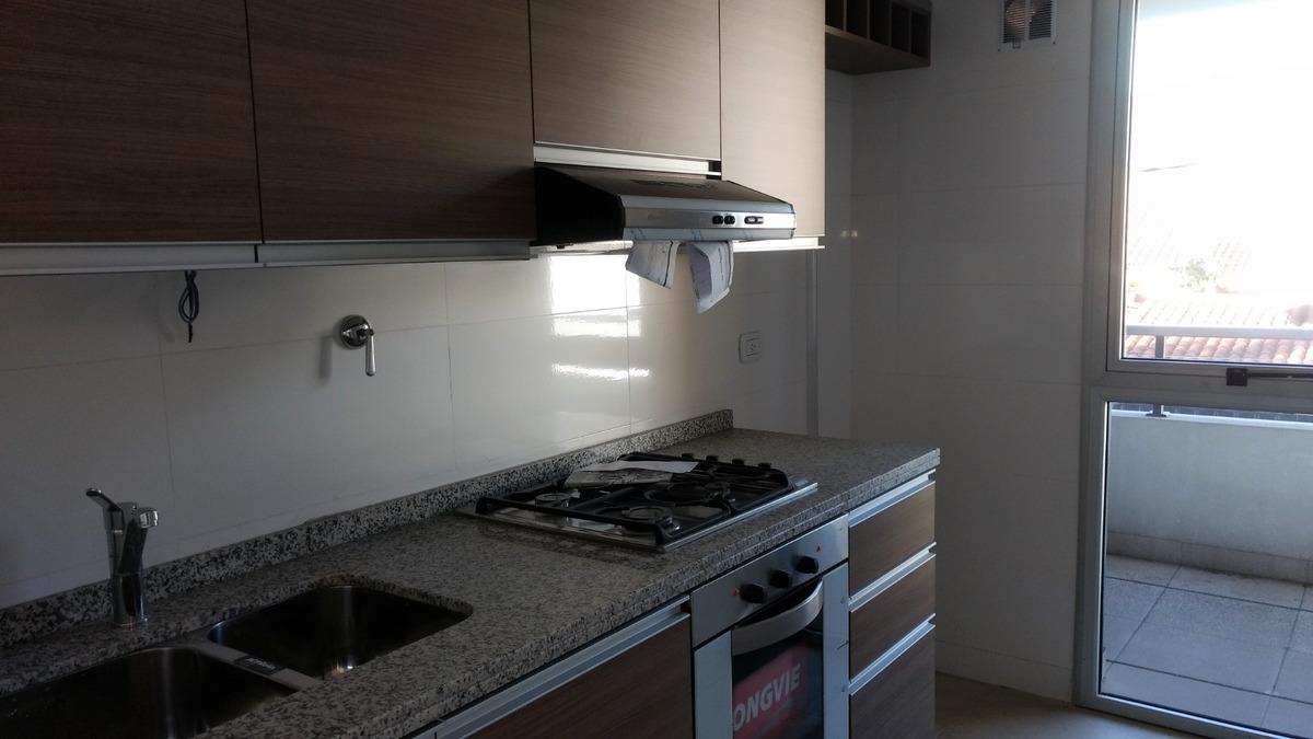 villa sarmiento - 2 amb c/ cochera