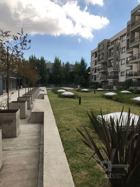 villa urquiza. moderno loft con balcón y amenities. alquiler temporario sin garantías.