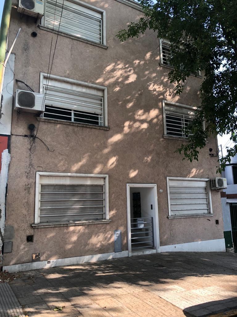 villa urquiza venta ph dpto en duplex 4 amb 3 dormitorios