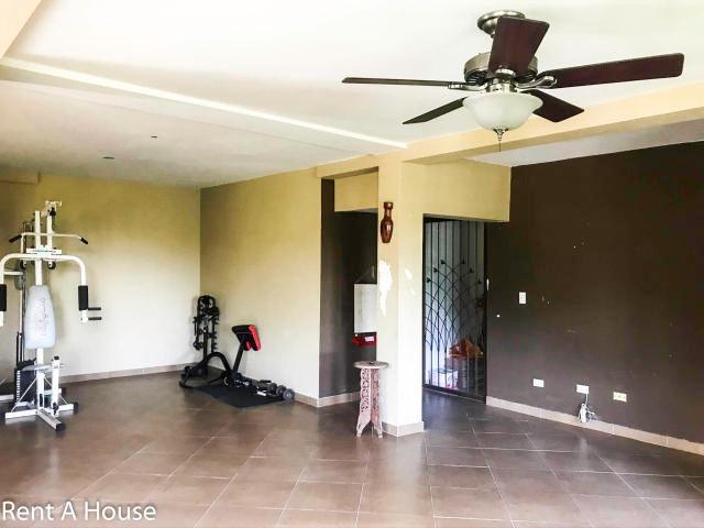 villa zaita linda casa en venta en panama