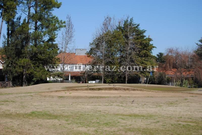 village golf & tennis, pilar - lote en venta.