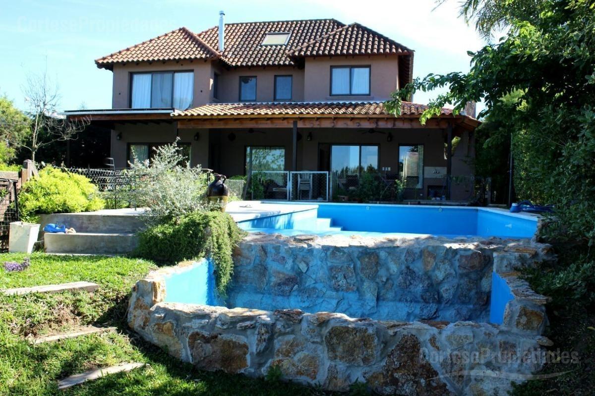 villanueva, santa catalina,excelente casa a la laguna, 4 dormitorios y mas