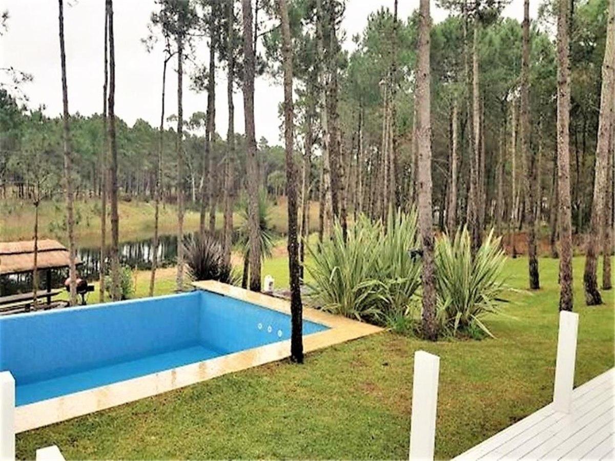 villarobles - casa de gran categoría sobre laguna