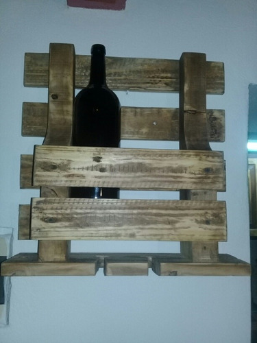 vinera de madera reciclada para dos vinos y cuatro copas