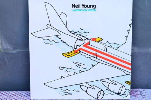 vinilo neil young   landing on water 1986