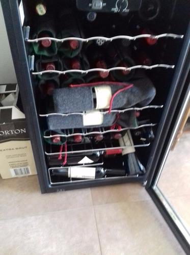 vino famiglia bianchi malbec 2002
