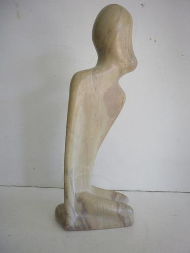 vintage figura de piedra entallada a mano en kenya