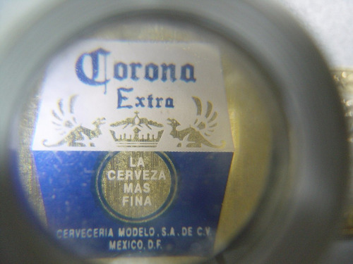 vintage llavero corona extra bar