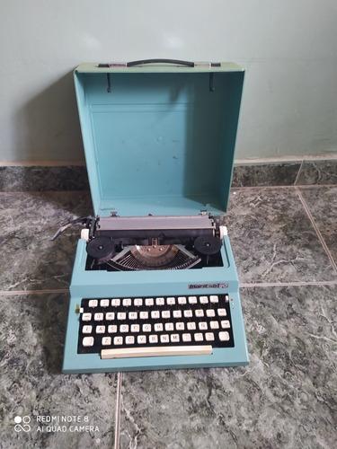 vintage máquina de escribir maritsa 30