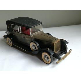 Vintage Radio  Transistor En Forma De Carro Antiguo Bateria