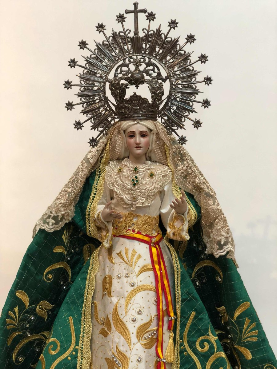 Virgen De La Esperanza Macarena Madera Corona En Plata 60 000 00