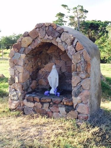 virgen milagrosa escultura en piedra