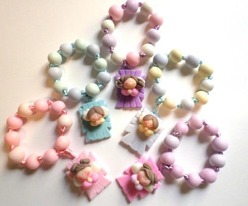 virgencitas, botellitas y rosarios masa flexible. recuerdito