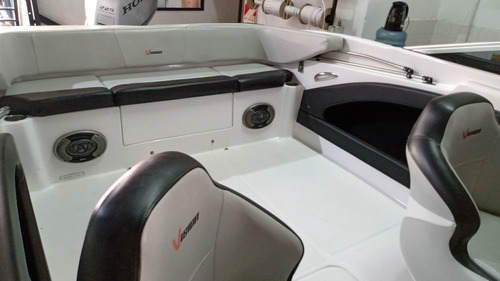 vision 200 c/honda 225 hp. 4t.