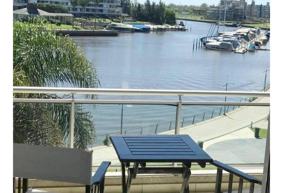 vista a la bahía 2 ambientes