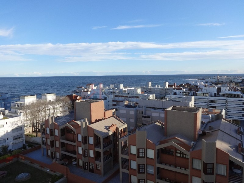 vista al mar, amplio, solida construcción , piscina - ref: 9022