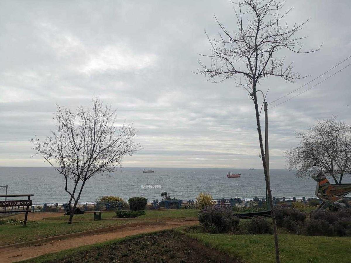 vista al mar. pasos h. naval. se aceptan ofertas.