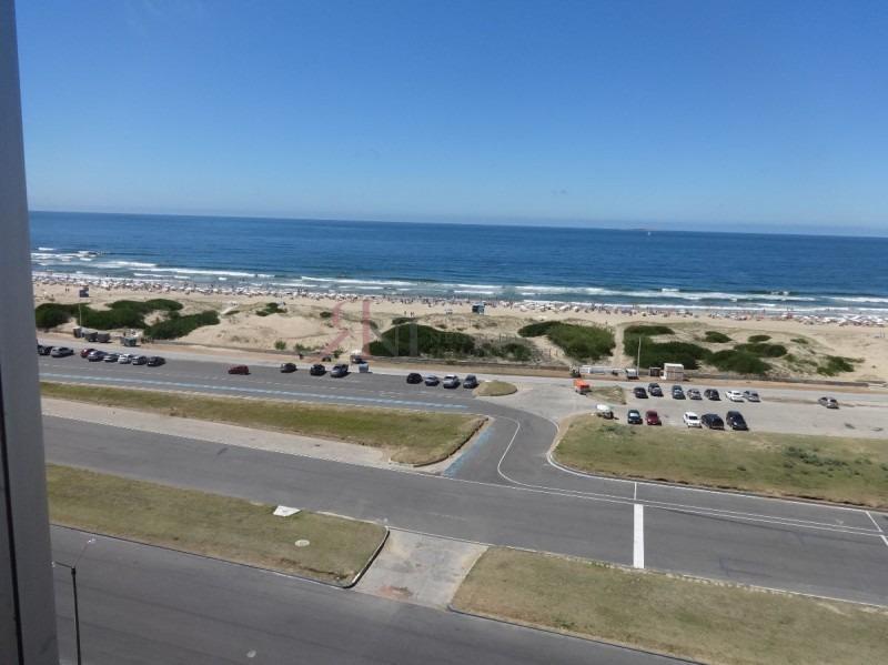 vista inigualable, playa enfrente- ref: 9815