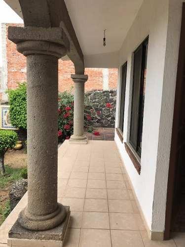 vista real ahuatepec. hermosa casa en una privada