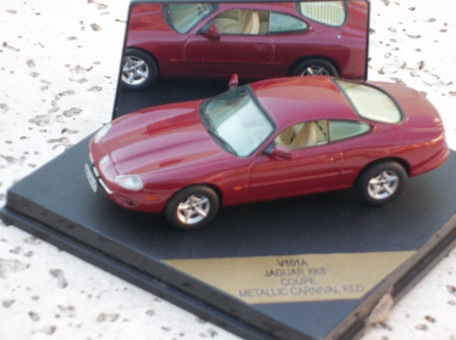 vitesse 1/43 jaguar xk8 coupe red