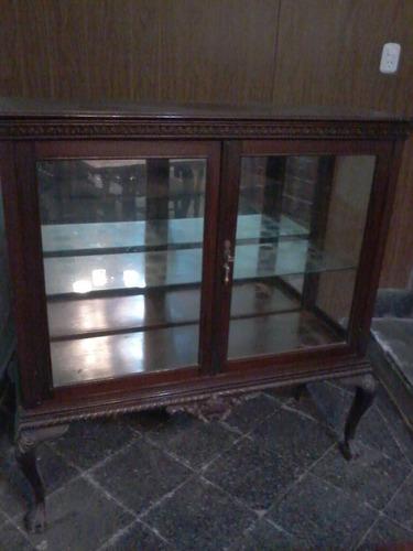 vitrina antigua estilo chippendale