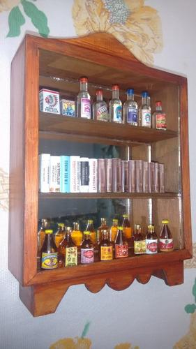 vitrina biblioteca miniatura en madera
