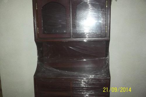 vitrina con puertas de vidrio