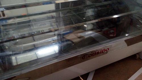 vitrina curva refrigerada para pasteles marca causiño
