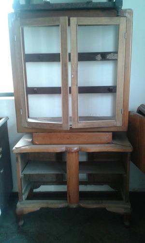 vitrina de cedro