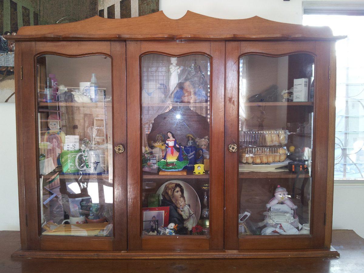 Vitrina de madera con cristales 3 en mercado libre for Cristales para puertas de comedor