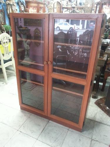 vitrina en madera cedro antigua maciza