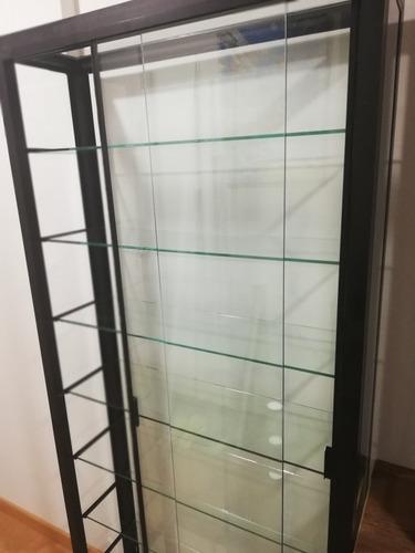 vitrina estante de metal y vidrio