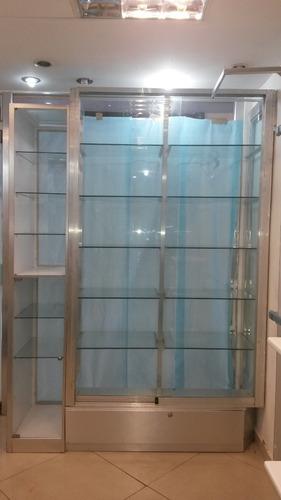 vitrina exhibidora en aluminio y vidrio
