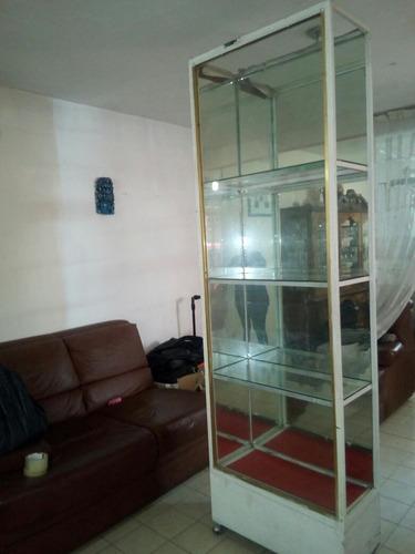 vitrina vertical de metal para papeleria, mercería o regalos