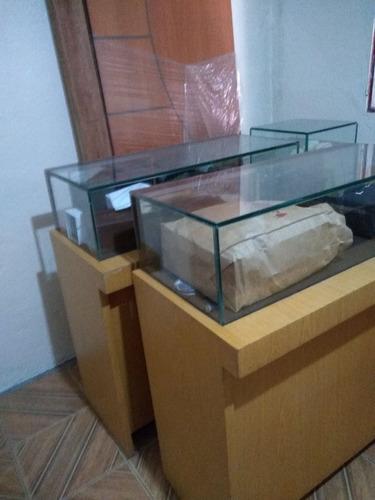 vitrines pronto para uso , excelente material e em ótimas co