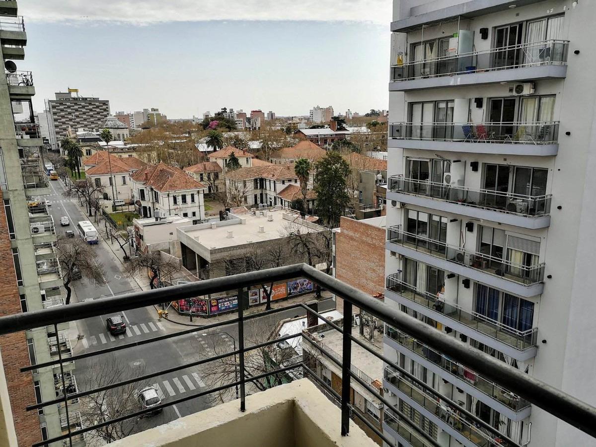 viví a 100mts de la facultad de medicina - 1 dormitorio con balcon al frente - amplia financiacion