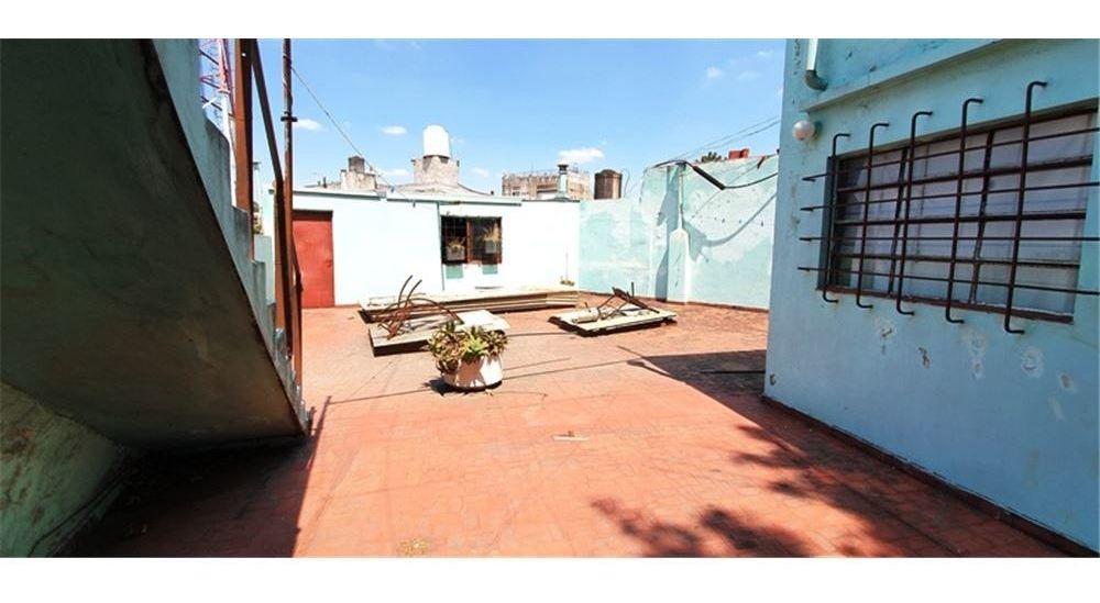 vivienda + local + galpón en barracas oportunidad