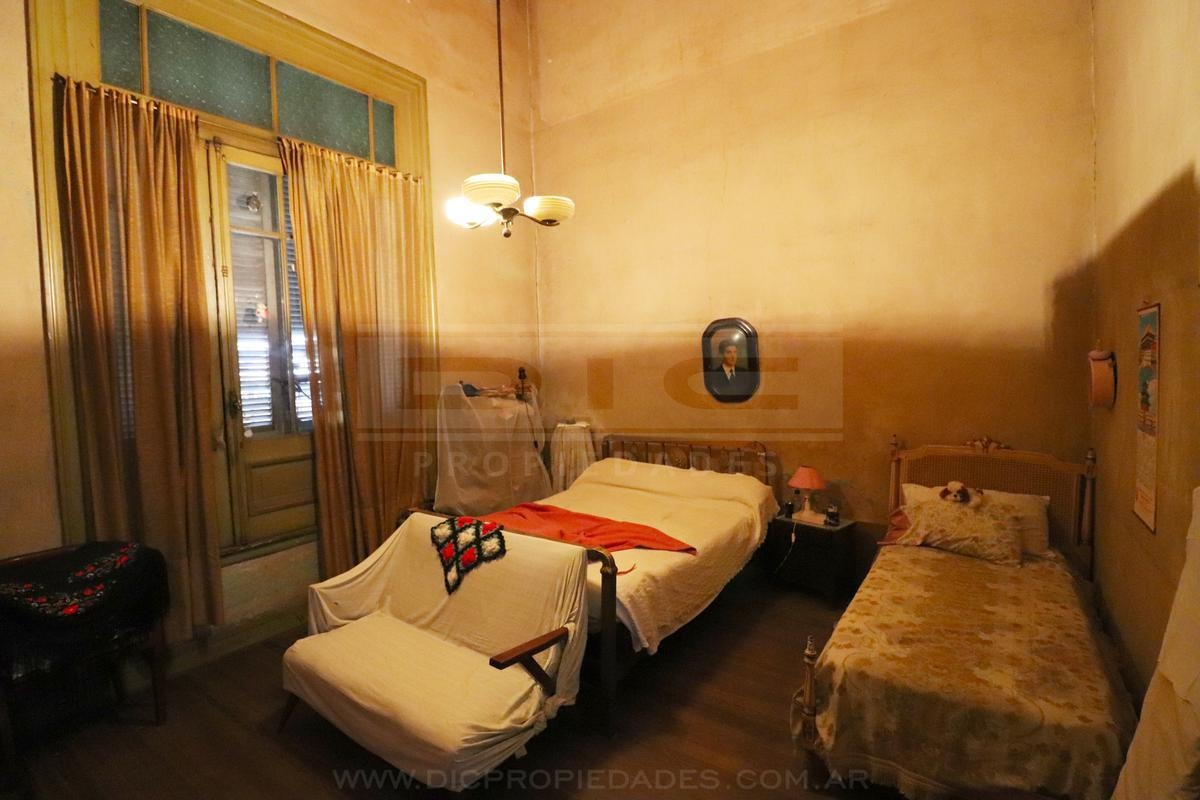 vivienda multifamiliar  6 dormitorios con patio y terraza  ubicado en san cristobal
