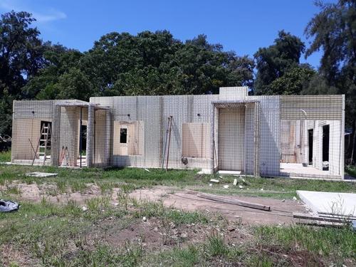 viviendas casas proyectadas en paneles.eps..